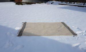 wollen-tapijt-reinigen-sneeuw